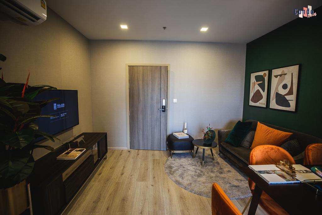 ห้องตัวอย่างแบบ 2 Bedroom TYPE C2-1EL และ C2-1ER